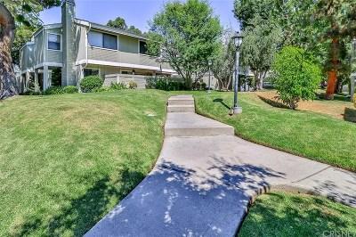 Woodland Hills Condo/Townhouse For Sale: 22119 Burbank Boulevard #6