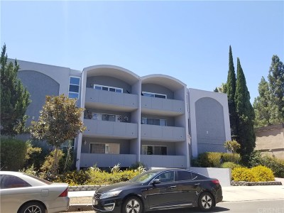 Sherman Oaks Condo/Townhouse For Sale: 14414 Addison Street #24