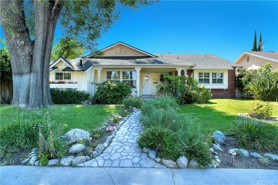 North Hills Single Family Home For Sale: 9339 Woodley Avenue