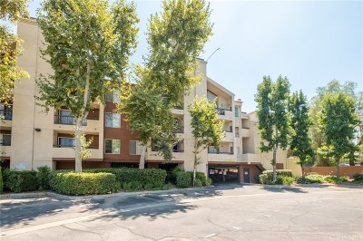 Woodland Hills Condo/Townhouse For Sale: 5500 Owensmouth Avenue #228