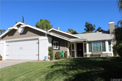 Saugus Single Family Home Active Under Contract: 27834 Dexter Drive