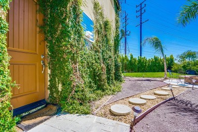 North Hollywood Single Family Home For Sale: 11143 Laughlin Lane