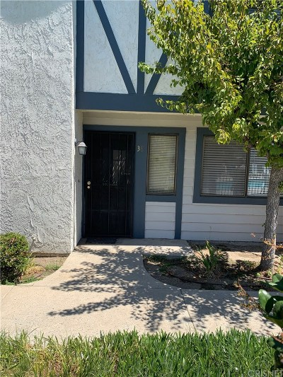 Reseda Condo/Townhouse For Sale: 19231 Sherman Way #38