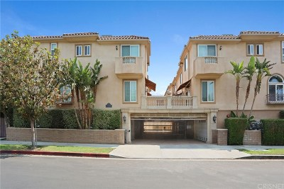 Sherman Oaks Condo/Townhouse Active Under Contract: 5550 Ventura Canyon Avenue #109