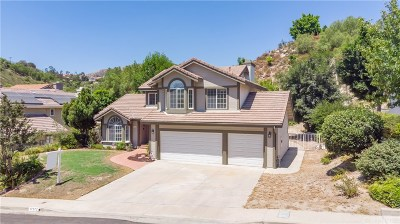 Granada Hills Single Family Home For Sale: 17577 Regency Way