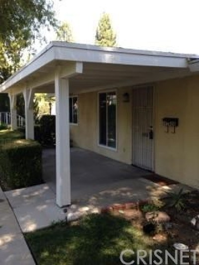 Newhall Single Family Home For Sale: 19160 Avenue Of The Oaks #D