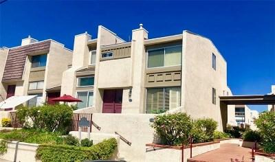 Chatsworth Condo/Townhouse For Sale: 9950 Topanga Canyon Boulevard #55