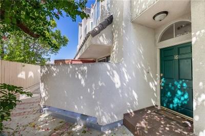 Encino Condo/Townhouse For Sale: 5145 Yarmouth Avenue #18