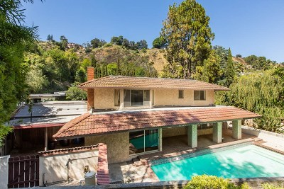 Los Angeles Single Family Home For Sale: 7606 Willow Glen Road