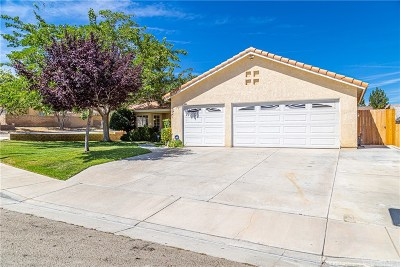 Palmdale Single Family Home For Sale: 36703 Silverspur Lane