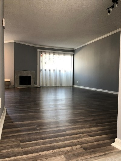 Los Angeles County Condo/Townhouse For Sale: 8745 Willis Avenue #117
