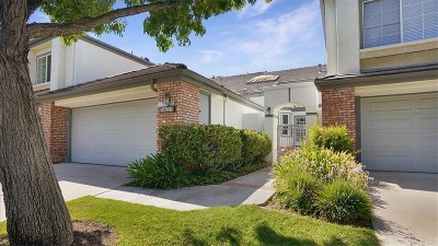 Los Angeles County Condo/Townhouse For Sale: 24632 Brighton Drive #B