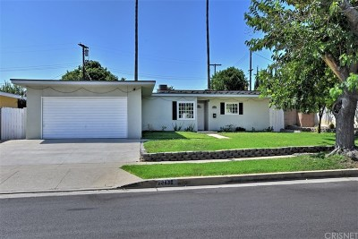 Chatsworth Single Family Home For Sale: 20430 Marilla Street
