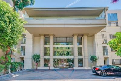 Encino Condo/Townhouse For Sale: 4949 Genesta Avenue #105