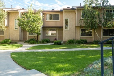 Moorpark Condo/Townhouse For Sale: 15080 Marquette Street #B