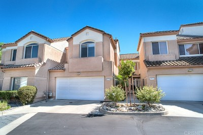 Simi Valley Condo/Townhouse For Sale: 622 High Plains Lane #B