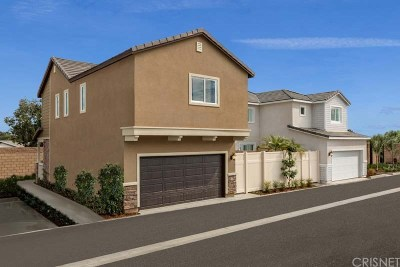 Compton Single Family Home For Sale: 19 Ganzania Lane