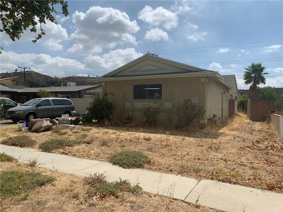 Saugus Single Family Home For Sale: 22056 Alamogordo Road