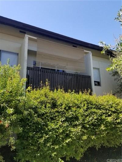 Valencia Condo/Townhouse Active Under Contract: 23515 Lyons Avenue #246