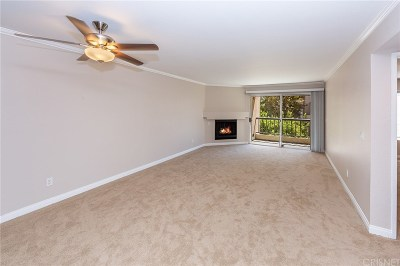 Woodland Hills CA Condo/Townhouse For Sale: $410,000
