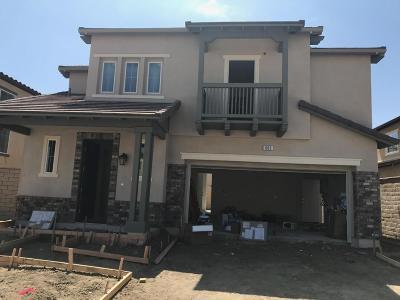 Camarillo Single Family Home For Sale: 683 Silver Sage