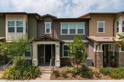 Ventura Single Family Home Active Under Contract: 481 Pear Avenue #103