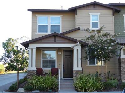 Ventura Single Family Home For Sale: 481 Pear Avenue #105