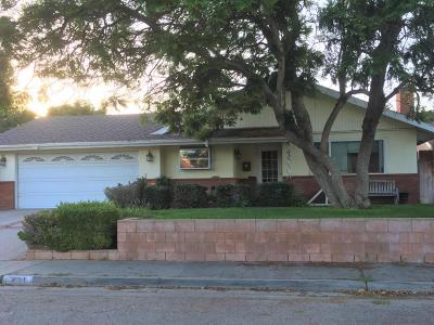 Santa Paula Single Family Home Active Under Contract: 431 Center Lane