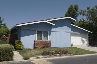 Ventura Single Family Home Active Under Contract: 1025 Cachuma Avenue #18