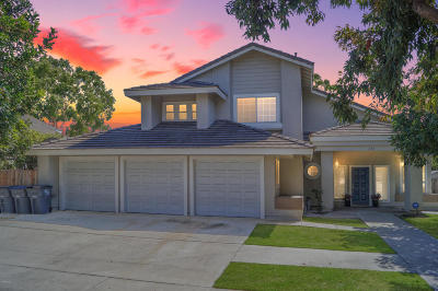 Oxnard Single Family Home Active Under Contract: 670 Bluebell Place