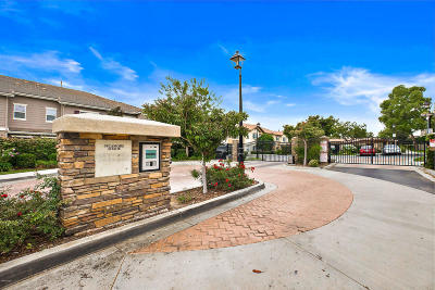 Simi Valley Single Family Home For Sale: 2632 Night Jasmine Drive