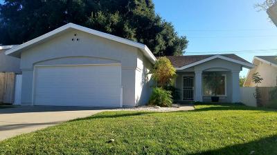 Camarillo Single Family Home For Sale: 2820 Walker Avenue