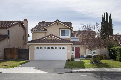 Moorpark Single Family Home Active Under Contract: 13106 Knotty Pine Street