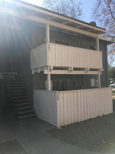 Ventura Single Family Home Active Under Contract: 1300 Saratoga Avenue #304