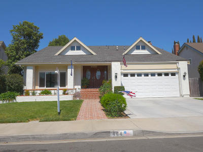Camarillo Single Family Home For Sale: 404 Manzanita Street