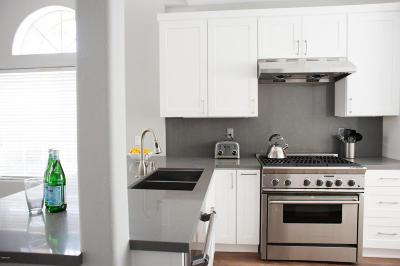 Oak Park Single Family Home For Sale: 4895 Santo Drive