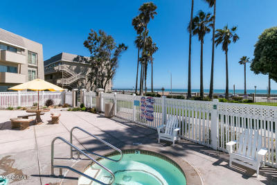Port Hueneme Single Family Home For Sale: 289 E Surfside Drive