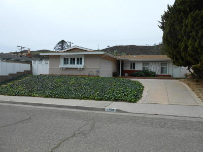 Santa Paula Single Family Home For Sale: 1300 Mariposa Drive