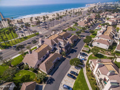 Port Hueneme Condo/Townhouse For Sale: 733 Terrace View Place