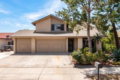 Single Family Home Active Under Contract: 2940 Via Marina Court