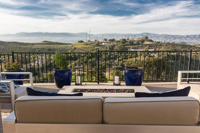 Thousand Oaks Single Family Home Active Under Contract: 769 Calle Punta