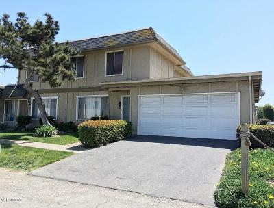 Oxnard Condo/Townhouse For Sale: 1841 Fisher Drive #D
