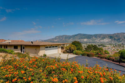 Santa Paula Single Family Home Active Under Contract: 639 Peck Road