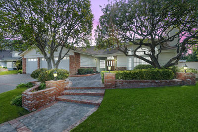 Oak Park Single Family Home For Sale: 5052 Pathfinder Avenue