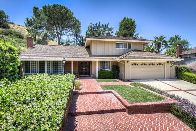 Thousand Oaks Single Family Home For Sale: 172 W Janss Circle