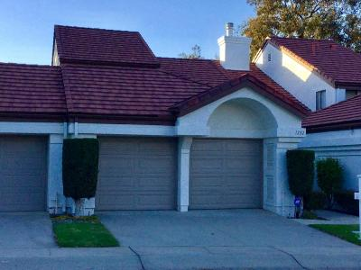 Camarillo Condo/Townhouse For Sale: 1232 Mission Verde Drive