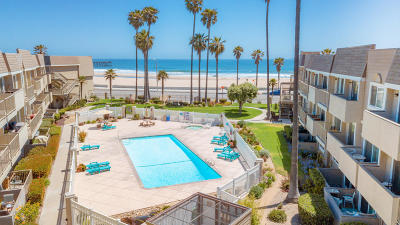 Port Hueneme Single Family Home Active Under Contract: 289 E Surfside Drive