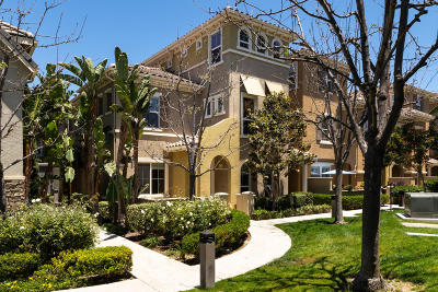 Camarillo Single Family Home For Sale: 3360 Shadetree Way