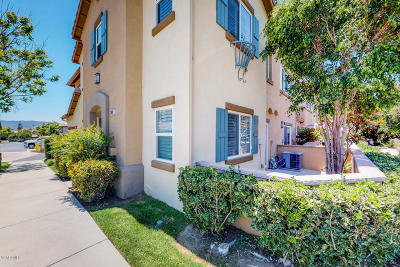 Simi Valley Condo/Townhouse For Sale: 2681 Night Jasmine Drive