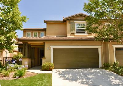 Moorpark Condo/Townhouse Active Under Contract: 13203 Torridon Court